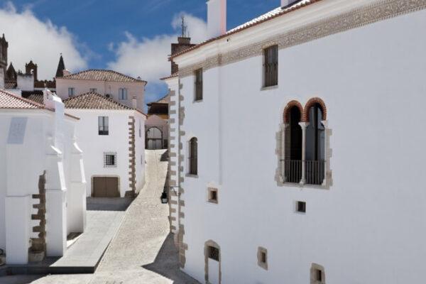 Em Évora, conheça o Paço de São Miguel